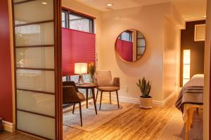 Integrated Therapies - West, acupuncture room